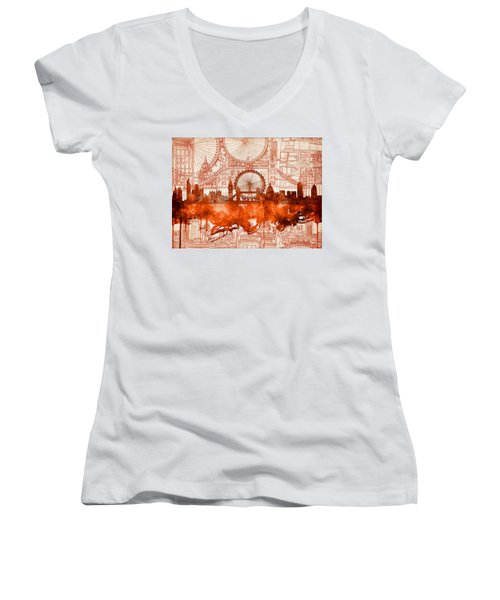 London Skyline Old Vintage 2 Women's V-Neck T-Shirt