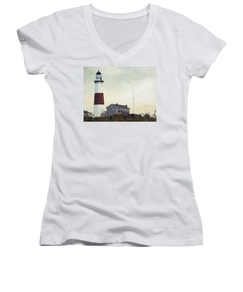 Women's V-Neck T-Shirt (Junior Cut) featuring the photograph Montauk Dusk by Keith Armstrong