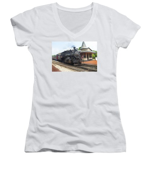 New Hope Station Women's V-Neck T-Shirt