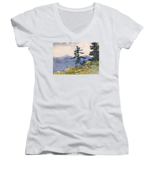North Woods Club Women's V-Neck