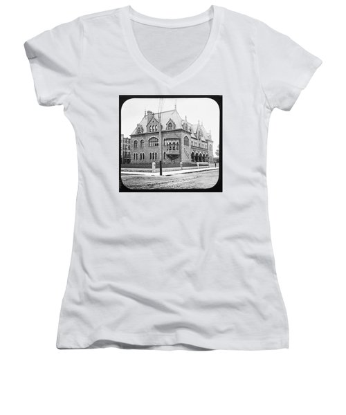 Old Customs House And Post Office Evansville Indiana 1915 Women's V-Neck T-Shirt