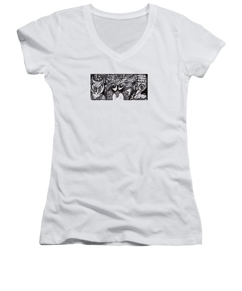 Owls Eyes Women's V-Neck T-Shirt