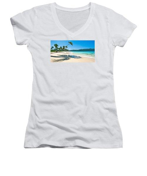 Playa Rincon Women's V-Neck T-Shirt (Junior Cut)