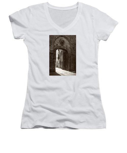 Porta Florentina Women's V-Neck