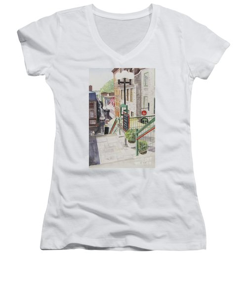 Quebec City Women's V-Neck T-Shirt (Junior Cut)