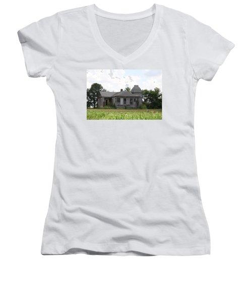 Roanoake Women's V-Neck T-Shirt