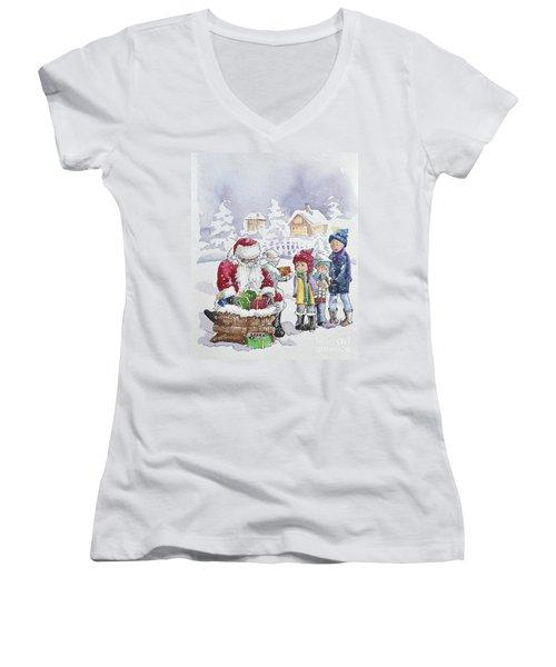 Santa And Children Women's V-Neck (Athletic Fit)