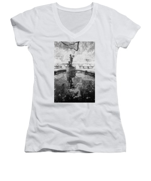 Secret Garden Ir Women's V-Neck