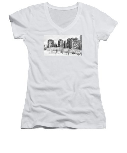 Snow In The City Women's V-Neck T-Shirt