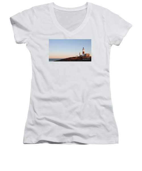 Women's V-Neck T-Shirt (Junior Cut) featuring the photograph Sunset Over Montauk Lighthouse by John Telfer