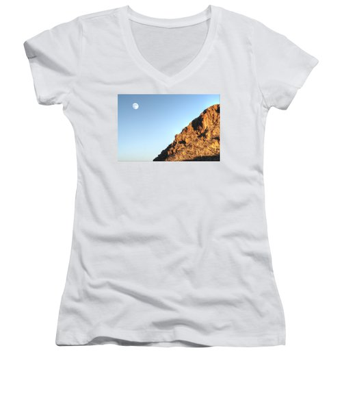 Women's V-Neck featuring the photograph Superstition Mountain by Lynn Geoffroy
