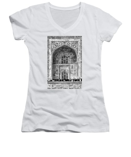 Taj Mahal Close Up In Black And White Women's V-Neck T-Shirt (Junior Cut) by Amanda Stadther
