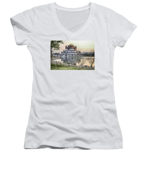 Temple Wuxi China Color Women's V-Neck