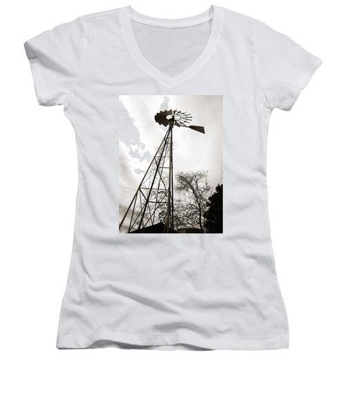 Texas Windmill Women's V-Neck