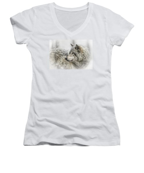 Timber Wolf Pictures 280 Women's V-Neck