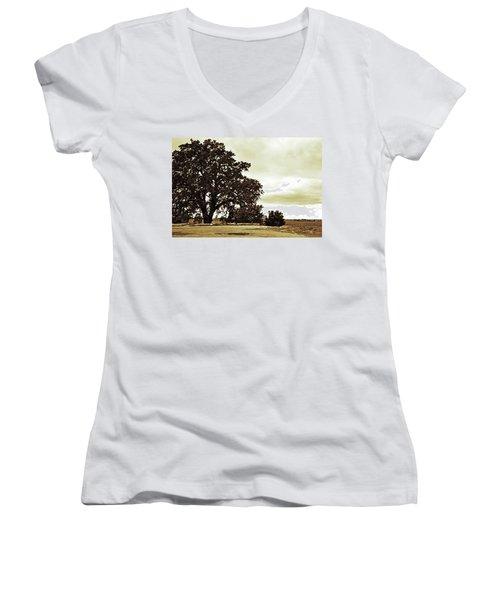Tree At End Of Runway Women's V-Neck T-Shirt (Junior Cut)