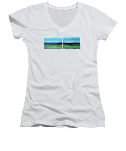 Vast Horizon Women's V-Neck T-Shirt