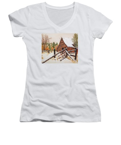 Women's V-Neck T-Shirt featuring the painting Winter - Barn - Snow In Nevada by Jan Dappen