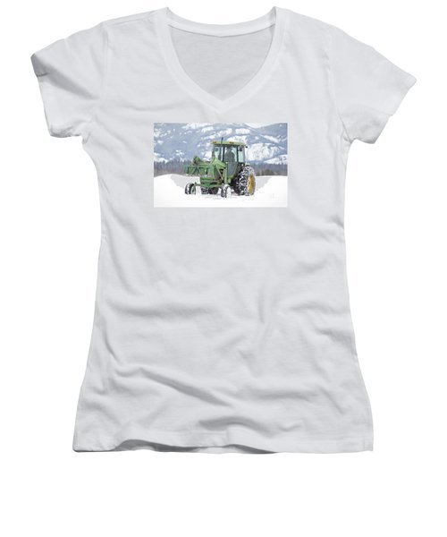 Winter Feeding Women's V-Neck
