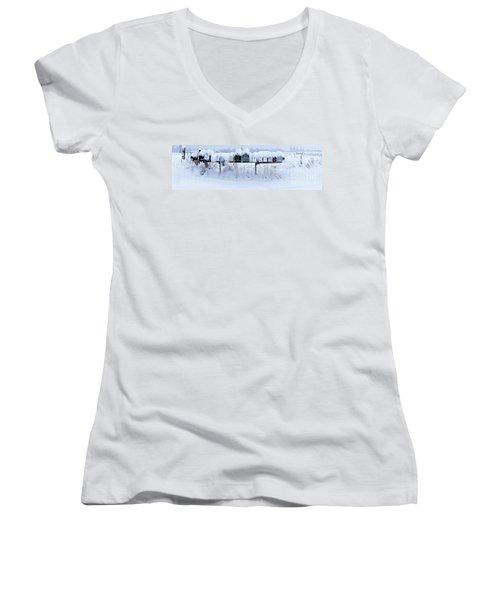 Winter Mailbox Panorama Women's V-Neck T-Shirt