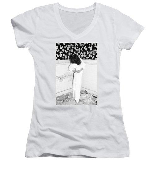 Women's V-Neck T-Shirt (Junior Cut) featuring the photograph Wonder Wall by Steven Macanka