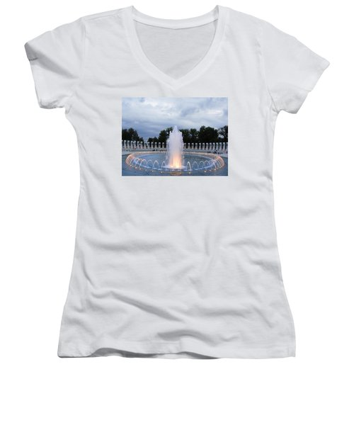 World War II Memorial Fountain Women's V-Neck T-Shirt