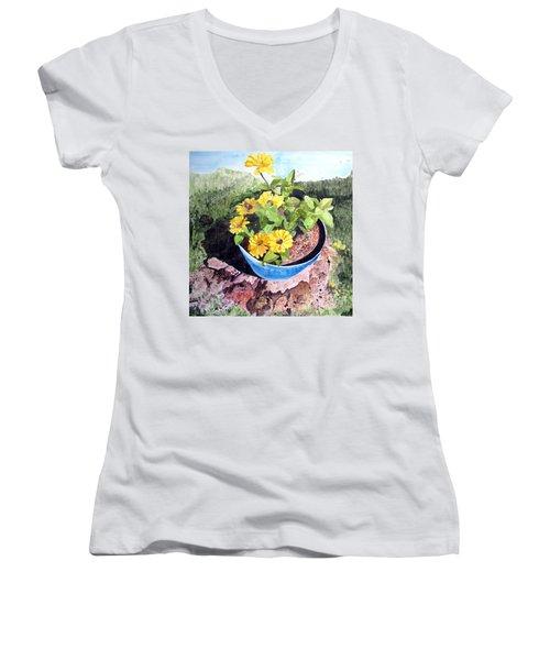 Zinnia On A Tree Stump Women's V-Neck T-Shirt (Junior Cut) by Sandy McIntire