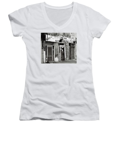 Fiorellas Women's V-Neck T-Shirt
