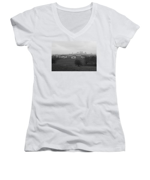Women's V-Neck T-Shirt (Junior Cut) featuring the photograph Greenwich View by Maj Seda
