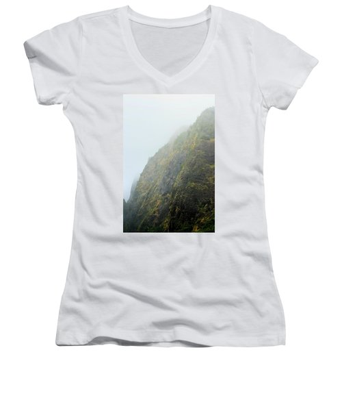 Iao Cliff Women's V-Neck (Athletic Fit)