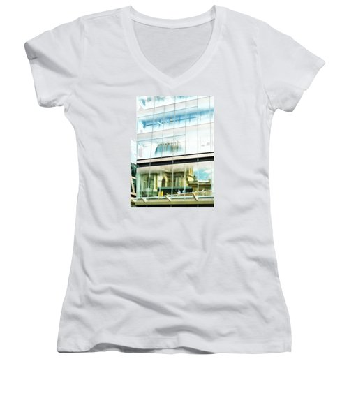 The Restaurant With A View Of St Pauls Cathedral Women's V-Neck T-Shirt