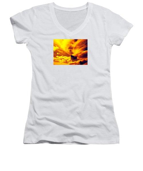 Turbulant America Women's V-Neck T-Shirt