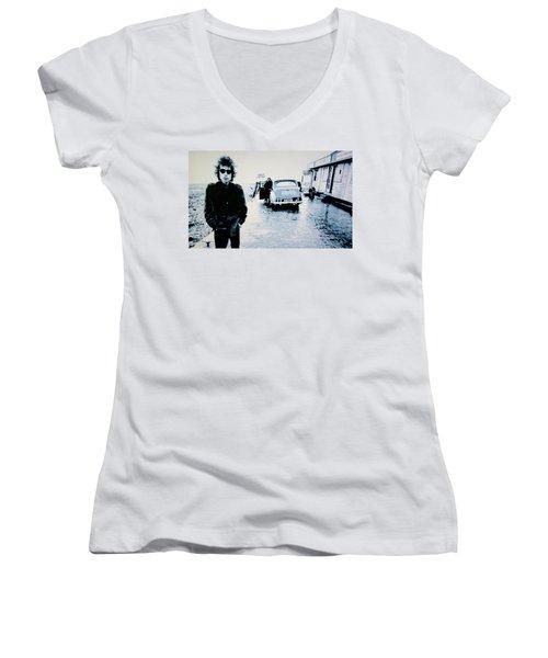 - No Direction Home - Women's V-Neck T-Shirt