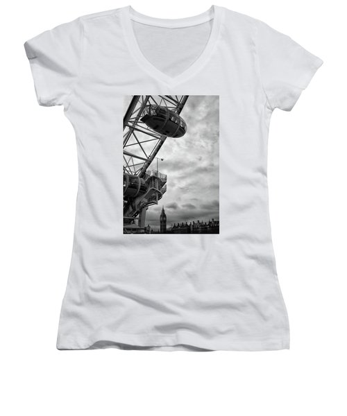The London Eye Women's V-Neck T-Shirt (Junior Cut) by Martin Newman