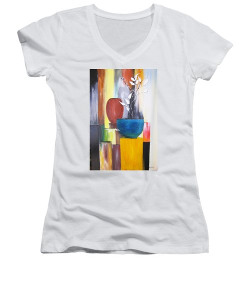 3 Vases Women's V-Neck (Athletic Fit)