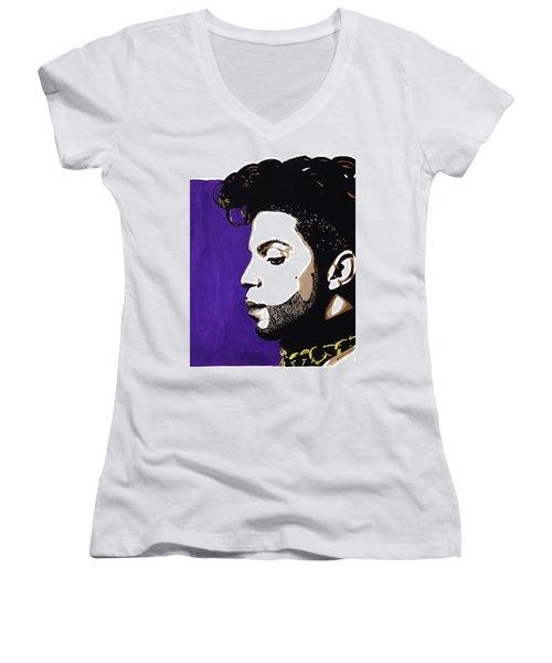 7 Women's V-Neck T-Shirt