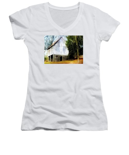 A Hidden Barn In West Chester, Pa Women's V-Neck (Athletic Fit)