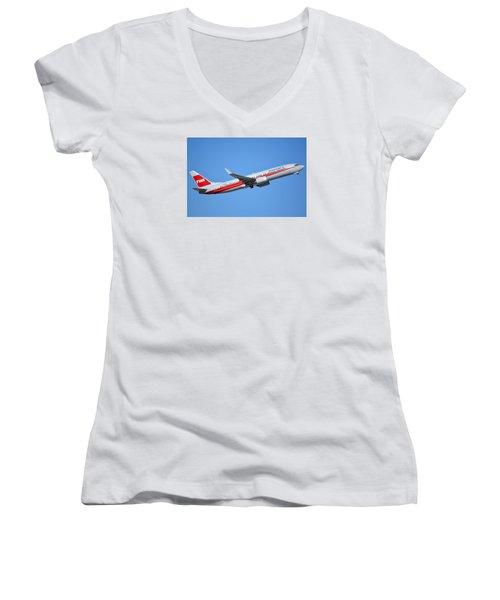 American Boeing 737-823 N915nn Retro Twa Phoenix Sky Harbor January 12 2015 Women's V-Neck T-Shirt