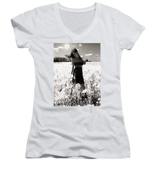 American Honey Women's V-Neck T-Shirt