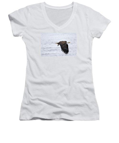 An Eagles Catch 11 Women's V-Neck T-Shirt
