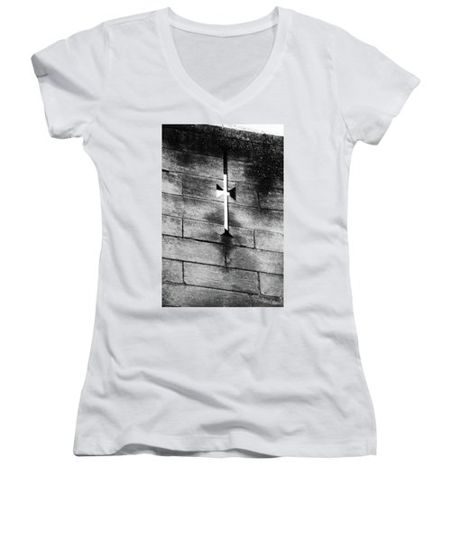 Arrow Slit Women's V-Neck
