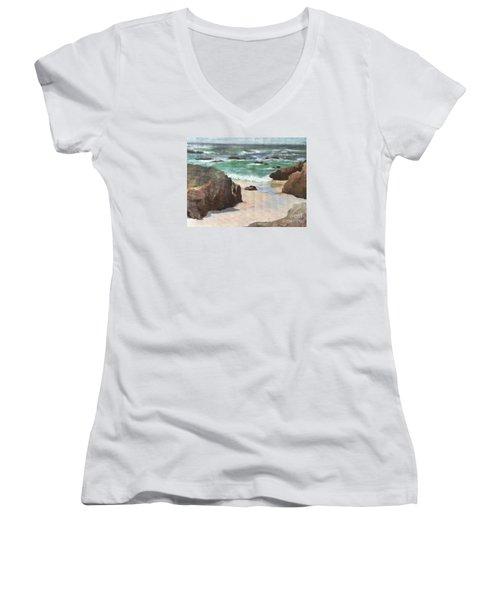 Asilamor Beach Monterey Ca Women's V-Neck T-Shirt