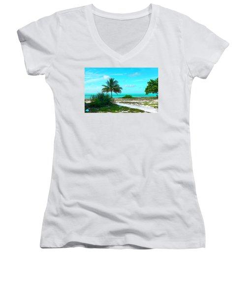 Bahama Beach Photo Women's V-Neck T-Shirt