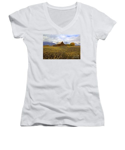 Barn On Mormon Row Utah Women's V-Neck