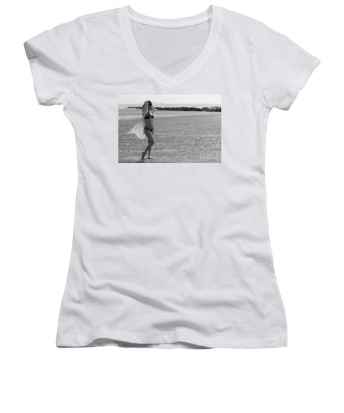 Bikini Girl Women's V-Neck T-Shirt