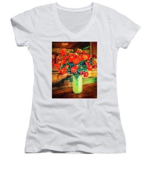 Billy's Flowers Women's V-Neck