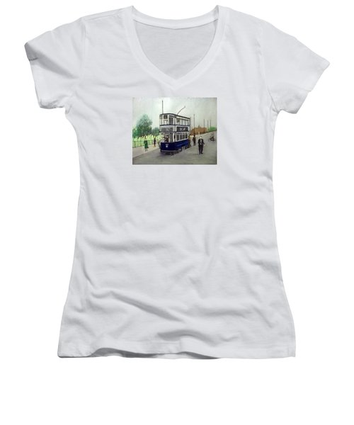 Birmingham Tram With Figures Women's V-Neck T-Shirt