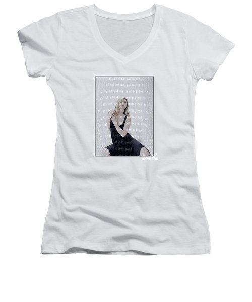 Blonde Girl Crouching Women's V-Neck T-Shirt