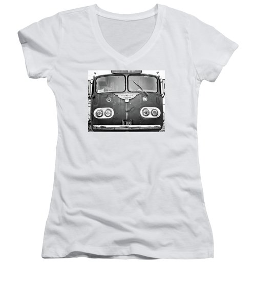 Bob Wills Tour Bus Bw Women's V-Neck