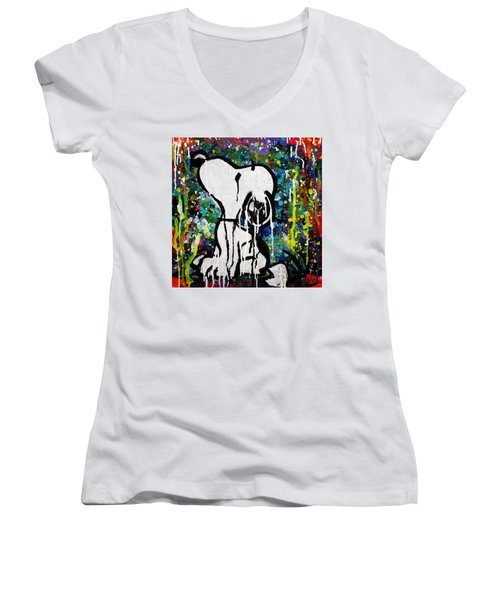 Bold.snoopy Women's V-Neck